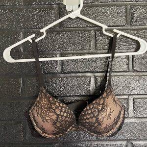 Victoria Secrets bombshell lace bra size 32B